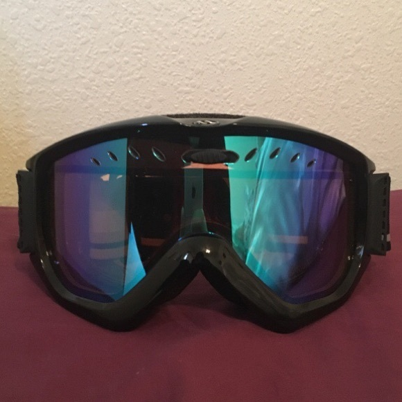 d5db5f6b884 Unisex snowboarding goggles! No scratches‼ 💯. M 5a53e2992c705de09501ea2d.  Other Accessories ...